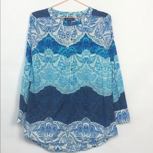 Lands End Beach Pattern Tunic Shades of Blue&White